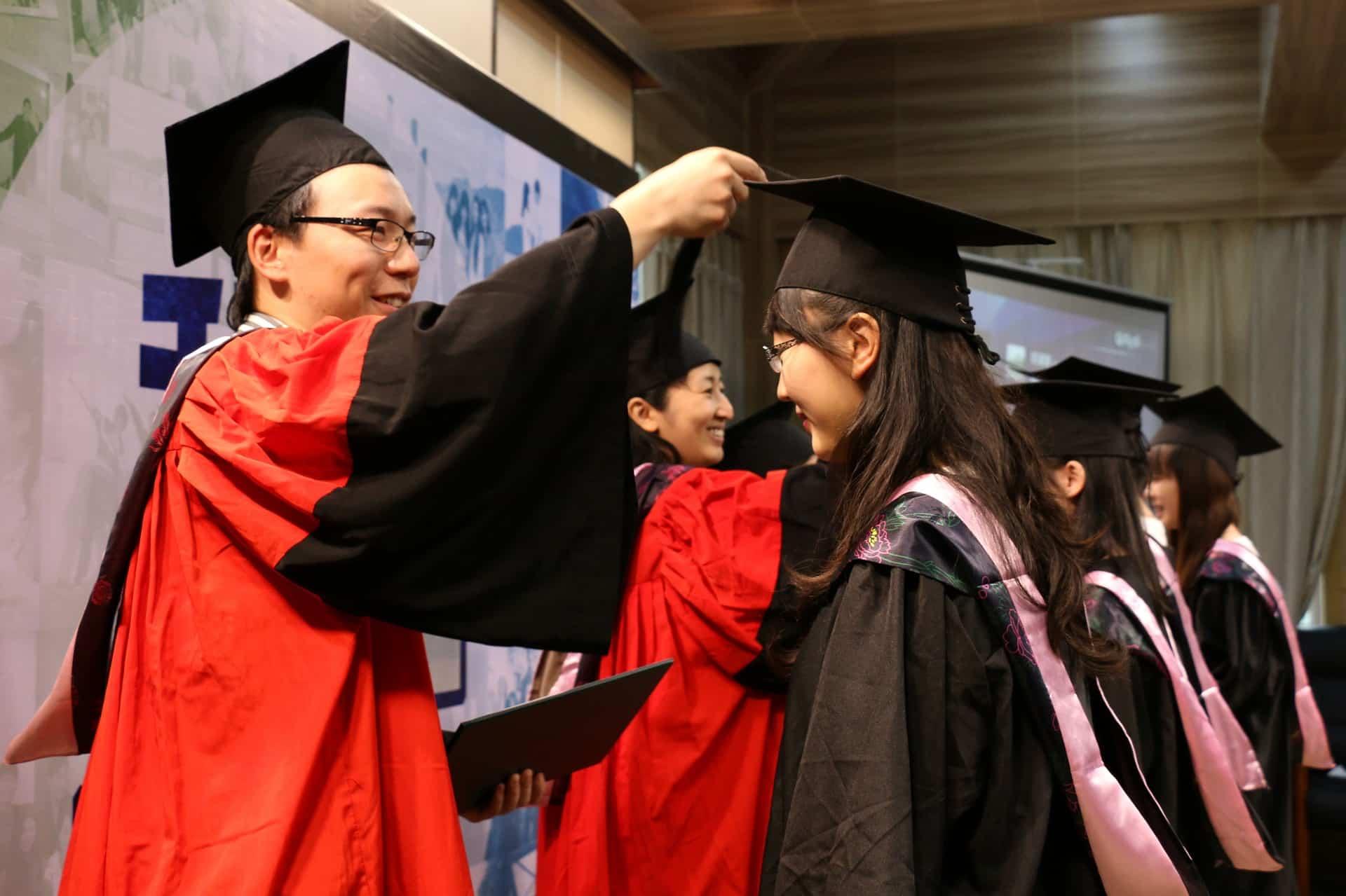 给中国留学生医疗保险